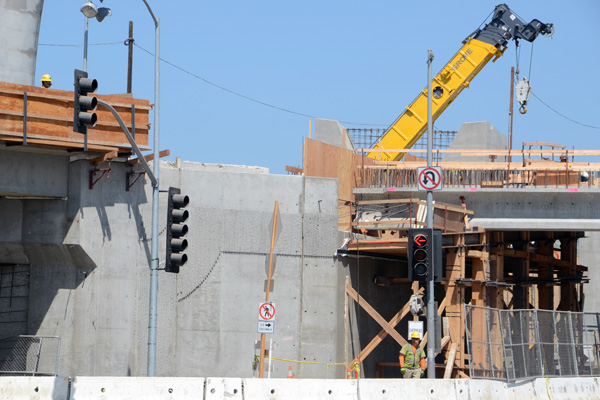 Looking southwest toward Sepulveda Bl, this photo captures the false work supporting the girders.