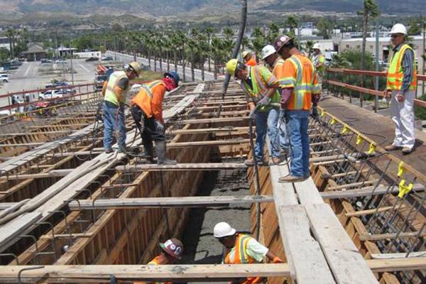 <p>Lassen Street Bridge wall construction</p>