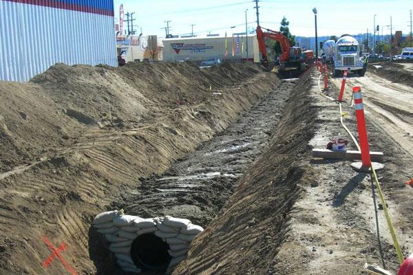 <p>Construction of storm drain beneath busway</p>