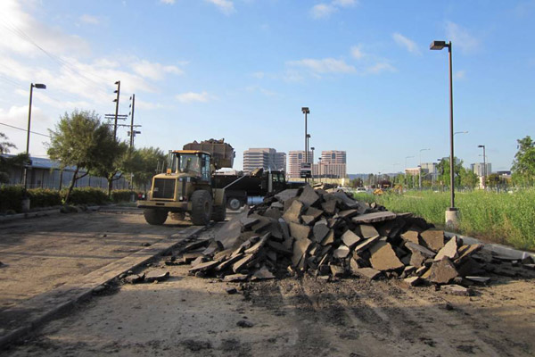 <p>Removal of asphalt at Canoga Station</p>
