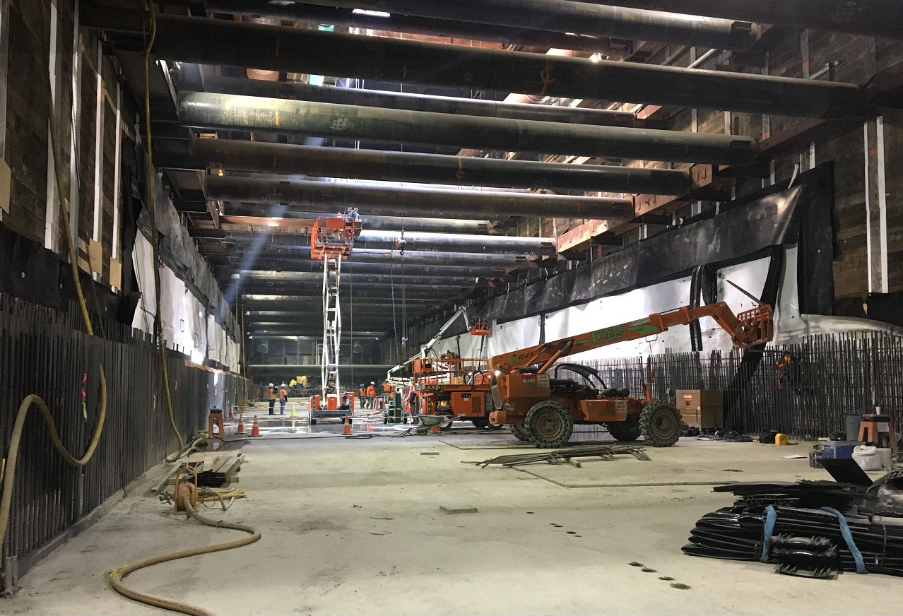 Installing bridge and waterproofing system inside Wilshire/La Brea station (April 2018)