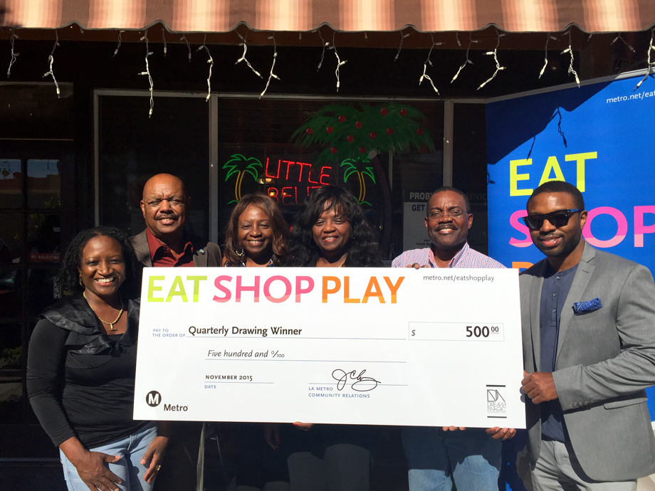 <p>Left: Inglewood Councilman Dotson Center: Owners, Little Belize Restaurant 2<sup>nd</sup> from Right: $500 Winner, Peter Caliz Right: Dream Magic Studios, Jesse Combs </p>