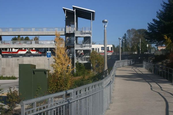 <p>Green Line Terminus - Clackamas Town Center Transit Center&nbsp;(Portland, Oregon)</p>